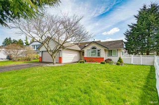 Photo 1: 6202 187B Street in Surrey: Cloverdale BC House for sale (Cloverdale)  : MLS®# R2576659