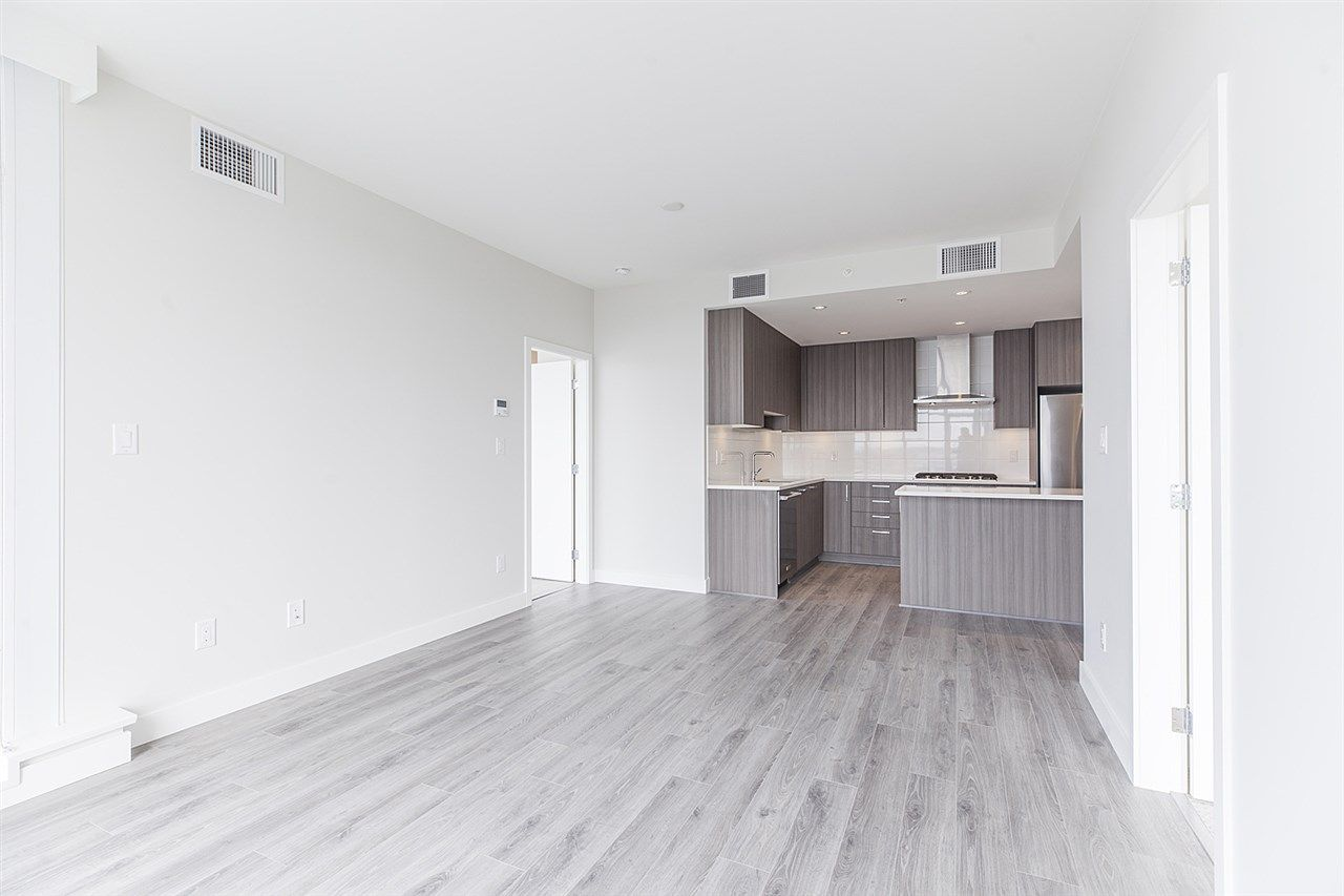 """Photo 8: Photos: 2105 1788 GILMORE Avenue in Burnaby: Brentwood Park Condo for sale in """"Escala"""" (Burnaby North)  : MLS®# R2396907"""