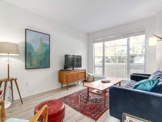 """Photo 3: 1165 VIDAL STREET: White Rock Townhouse for sale in """"Montecito by the Sea"""" (South Surrey White Rock)  : MLS®# R2204534"""