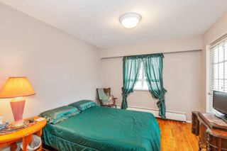 """Photo 11: 307 2025 W 2ND Avenue in Vancouver: Kitsilano Condo for sale in """"THE SEABREEZE"""" (Vancouver West)  : MLS®# R2620558"""
