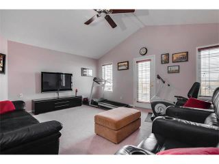 Photo 11: 27 VALLEY STREAM Manor NW in Calgary: Valley Ridge House for sale
