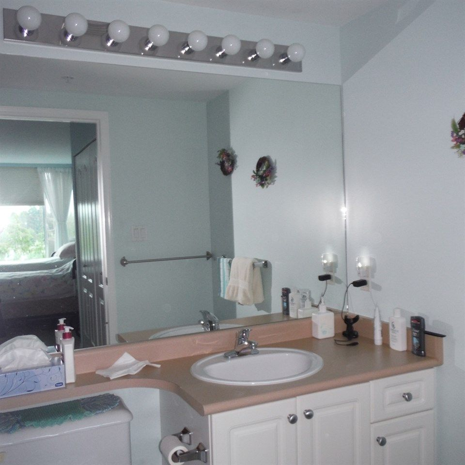 """Photo 11: Photos: 806 12148 224 Street in Maple Ridge: East Central Condo for sale in """"PANORAMA"""" : MLS®# R2285555"""