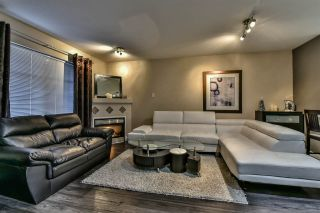 "Photo 9: 3 18181 68 Avenue in Surrey: Cloverdale BC Townhouse for sale in ""MAGNOLIA"" (Cloverdale)  : MLS®# R2141372"