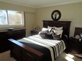 Photo 5: 21043 GREENWOOD Drive in Hope: Hope Kawkawa Lake House for sale : MLS®# R2446407