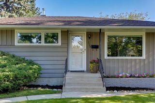 Photo 3: 3532 35 Avenue SW in Calgary: Rutland Park Detached for sale : MLS®# C4268473