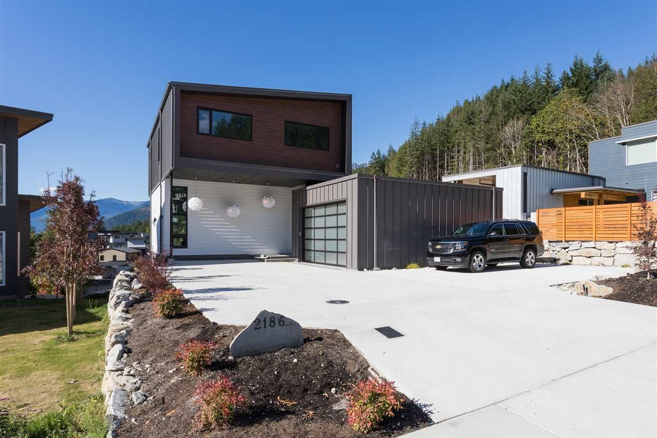 """Main Photo: 2186 WINDSAIL Place in Squamish: Plateau House for sale in """"Crumpit Woods"""" : MLS®# R2201089"""