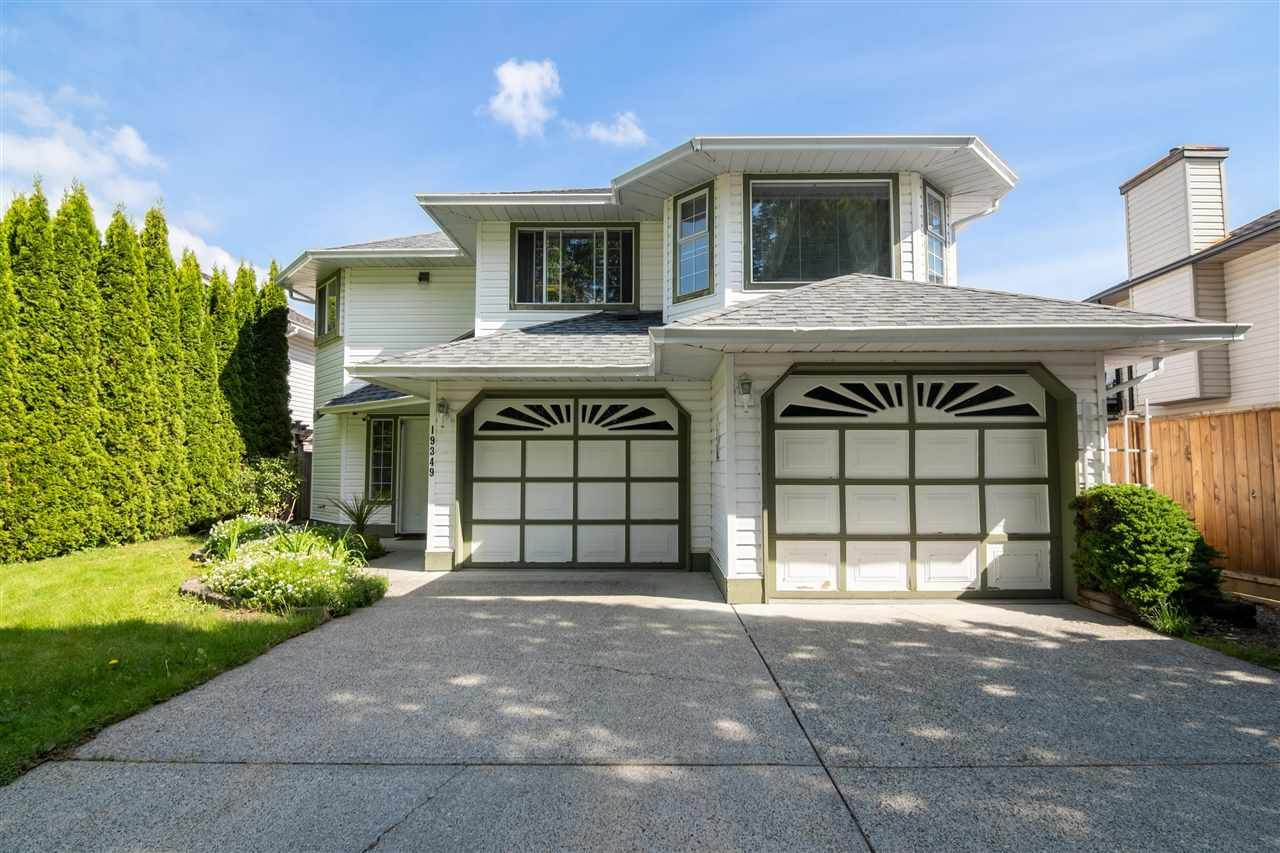 Main Photo: 19349 CUSICK CRESCENT in Pitt Meadows: Mid Meadows House for sale : MLS®# R2579444