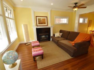 Photo 3: 1785 E 14TH Avenue in Vancouver: Grandview VE 1/2 Duplex for sale (Vancouver East)  : MLS®# R2113993