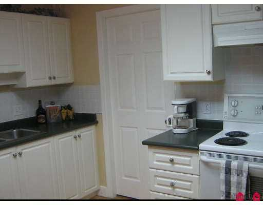 """Photo 3: Photos: 33668 KING Road in Abbotsford: Poplar Condo for sale in """"College Park"""" : MLS®# F2623514"""