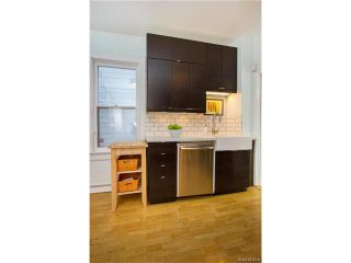 Photo 10: 304 Arnold Avenue in Winnipeg: Fort Rouge Residential for sale (1Aw)  : MLS®# 1700584