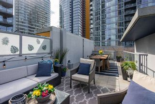 "Photo 3: 139 REGIMENT Square in Vancouver: Downtown VW Townhouse for sale in ""Spectrum 4"" (Vancouver West)  : MLS®# R2556173"