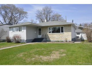 Photo 1: 410 Ainslie Street in WINNIPEG: St James Residential for sale (West Winnipeg)  : MLS®# 1410812