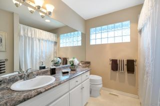 """Photo 14: 15003 SEMIAHMOO Place in Surrey: Sunnyside Park Surrey House for sale in """"SEMIAHMOO WYND"""" (South Surrey White Rock)  : MLS®# R2288151"""
