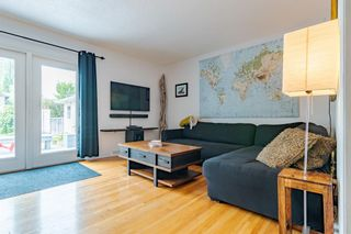 Photo 11: 303 42 Street SW in Calgary: Wildwood Detached for sale : MLS®# A1134148