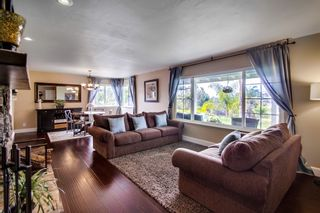 Photo 4: VISTA House for sale : 4 bedrooms : 1668 Alta Vista