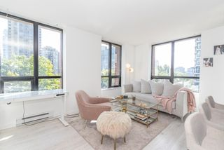 """Photo 10: 604 909 MAINLAND Street in Vancouver: Yaletown Condo for sale in """"YAELTOWN PARK II"""" (Vancouver West)  : MLS®# R2617490"""