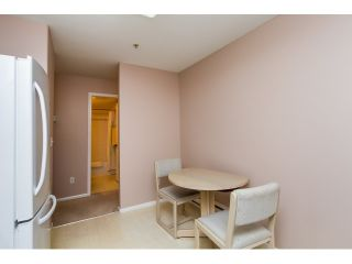 Photo 8: 107 1558 GRANT AVENUE in Port Coquitlam: Glenwood PQ Condo for sale : MLS®# R2051861