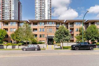 Photo 3: 303 3105 LINCOLN AVENUE in Coquitlam: New Horizons Condo for sale : MLS®# R2493905