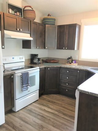 """Photo 15: A4 29666 FRASER Highway in Abbotsford: Aberdeen Manufactured Home for sale in """"Aloha Manufctured Homes & RV Park"""" : MLS®# R2469989"""