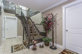 Photo 2: 3108 ENGINEER Court in Abbotsford: Aberdeen House for sale : MLS®# R2251548
