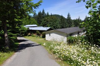 Photo 2: 174 Woodland Dr in : GI Salt Spring House for sale (Gulf Islands)  : MLS®# 879444