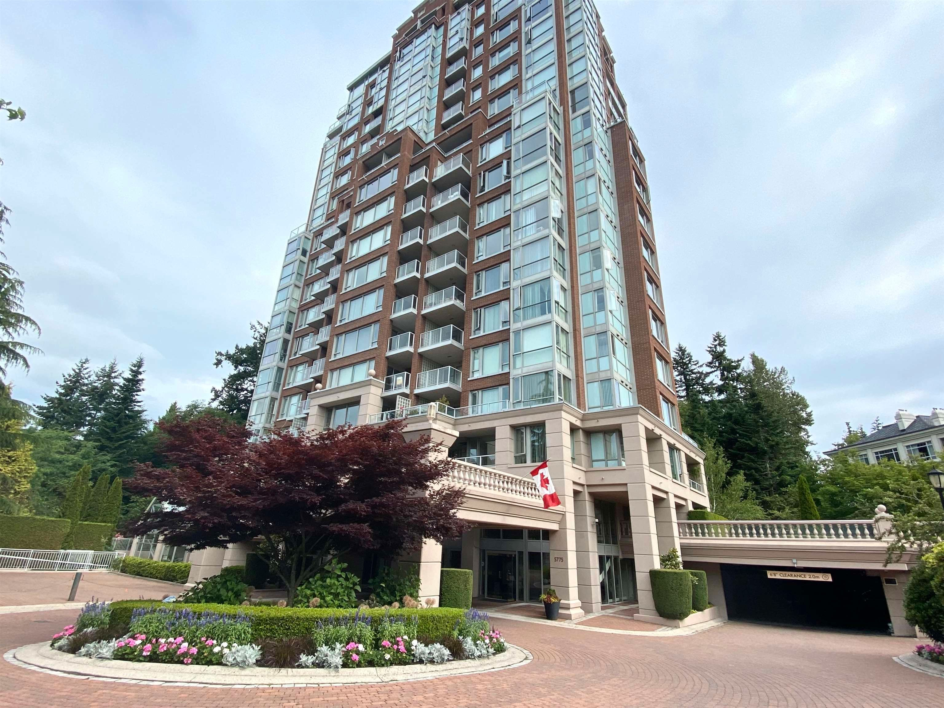 """Main Photo: 504 5775 HAMPTON Place in Vancouver: University VW Condo for sale in """"CHATHAM"""" (Vancouver West)  : MLS®# R2617854"""