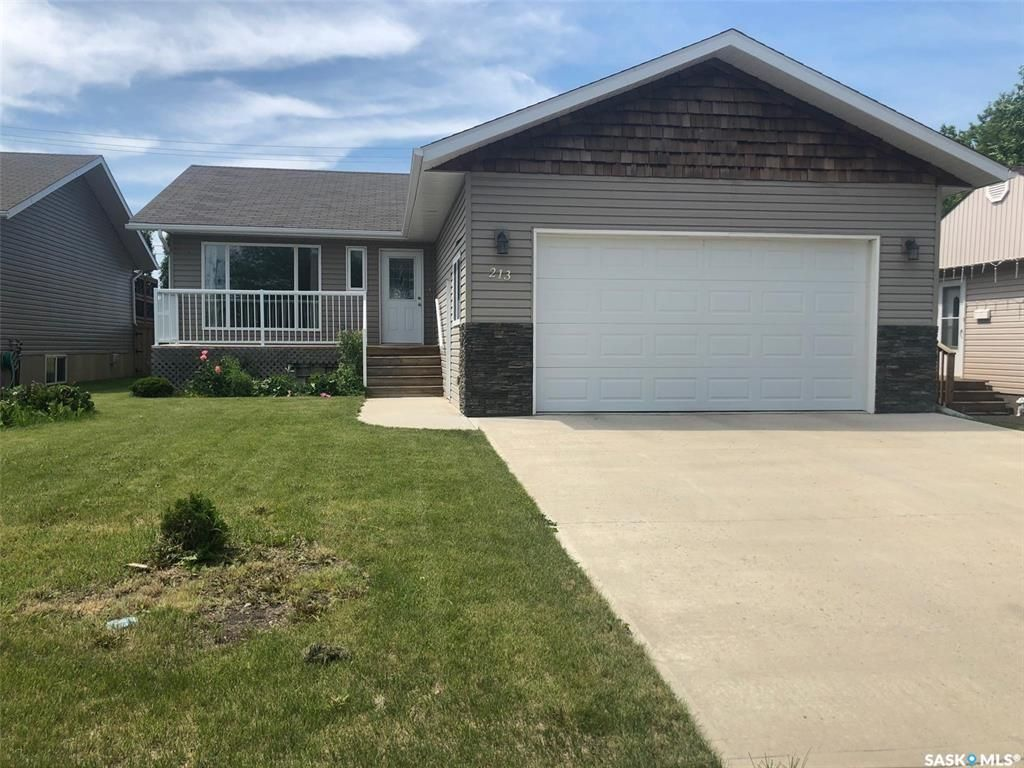 Main Photo: 213 9TH Street in Humboldt: Residential for sale : MLS®# SK828677