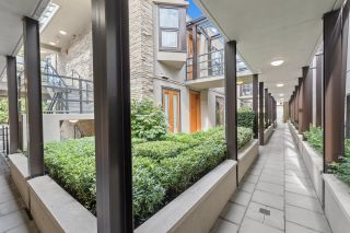 Photo 3: 4 1891 MARINE Drive in West Vancouver: Ambleside Condo for sale : MLS®# R2617064