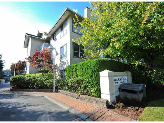 """Main Photo: 312 15272 20TH Avenue in Surrey: King George Corridor Condo for sale in """"Windsor Court"""" (South Surrey White Rock)  : MLS®# F1424168"""