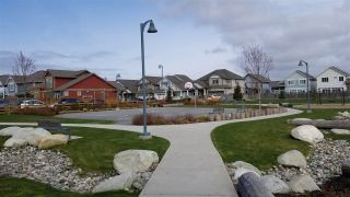 "Photo 2: 424 4690 HAWK Lane in Tsawwassen: Tsawwassen North Condo for sale in ""TSAWWASSEN SHORES"" : MLS®# R2553879"