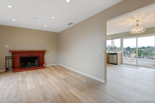 Photo 6: RANCHO PENASQUITOS House for sale : 4 bedrooms : 11269 Linares in San Diego