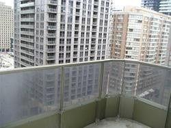 Photo 14: 1811 750 Bay Street in Toronto: Bay Street Corridor Condo for lease (Toronto C01)  : MLS®# C5301954