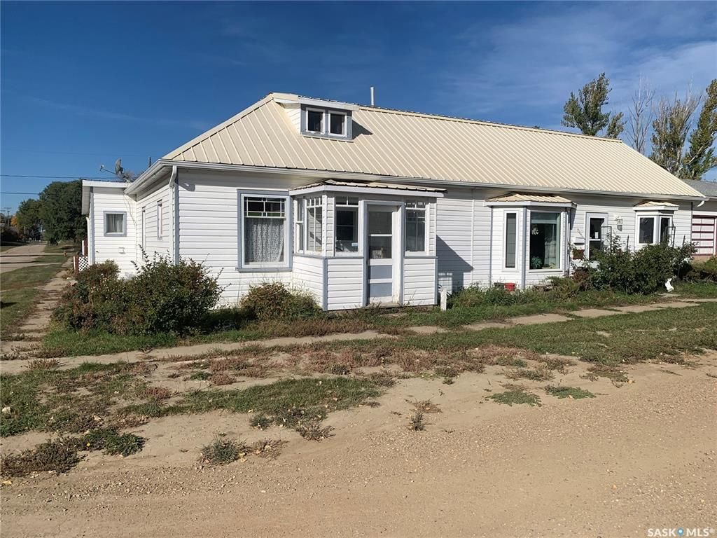 Main Photo: 104 Dean Street in Mortlach: Residential for sale : MLS®# SK871752