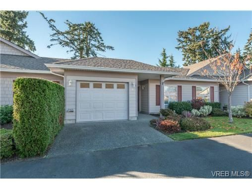 Main Photo: 8 7980 East Saanich Rd in SAANICHTON: CS Saanichton Row/Townhouse for sale (Central Saanich)  : MLS®# 686779