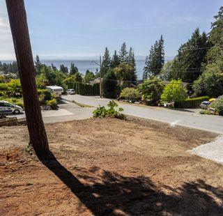 Photo 1: LOT 5 LAUREL Avenue in Sechelt: Sechelt District Land for sale (Sunshine Coast)  : MLS®# R2609554