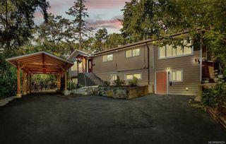 Photo 1: 618 Fernhill Pl in : Es Saxe Point House for sale (Esquimalt)  : MLS®# 845631
