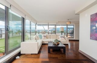 """Photo 5: 2506 1723 ALBERNI Street in Vancouver: West End VW Condo for sale in """"THE PARK"""" (Vancouver West)  : MLS®# R2106181"""