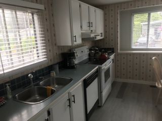 Photo 8: 102 15875 20  AVE Avenue in Surrey: King George Corridor Manufactured Home for sale (South Surrey White Rock)  : MLS®# R2461695