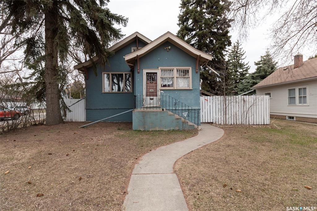 Main Photo: 222 29th Street West in Saskatoon: Caswell Hill Residential for sale : MLS®# SK852033