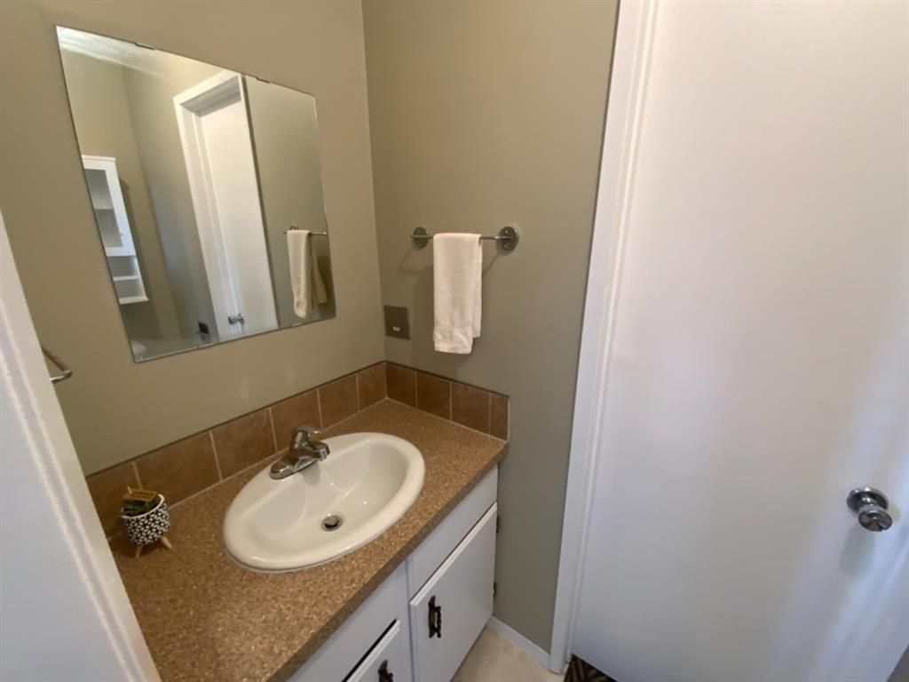 Photo 19: Photos: 571 3 Avenue SE: Three Hills Detached for sale : MLS®# A1105212