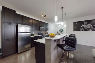 Photo 1: 307 6083 MAYNARD Way in Edmonton: Zone 14 Condo for sale : MLS®# E4226909