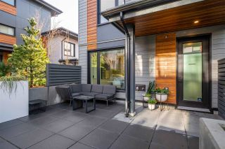 """Photo 3: TH49 528 E 2ND Street in North Vancouver: Lower Lonsdale Townhouse for sale in """"Founder Block South"""" : MLS®# R2543629"""