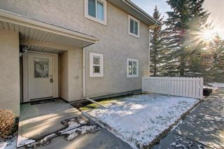 Photo 4: 6807 Pinecliff Grove NE in Calgary: Pineridge Row/Townhouse for sale : MLS®# A1121395