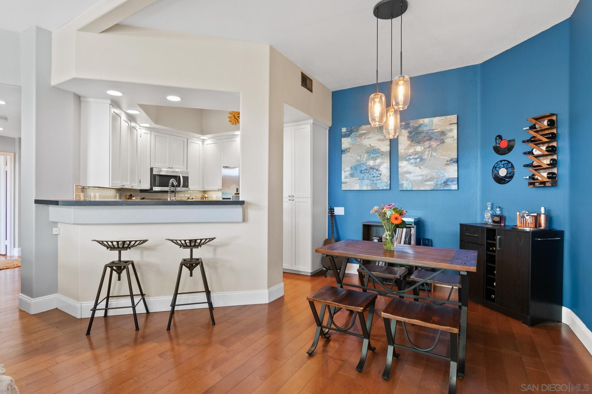 Main Photo: CARMEL MOUNTAIN RANCH Condo for sale : 2 bedrooms : 11274 Provencal Place in San Diego