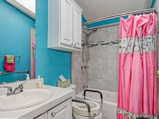 Photo 18: SOUTH SD Manufactured Home for sale : 3 bedrooms : 1011 BEYER WAY #99 in SAN DIEGO