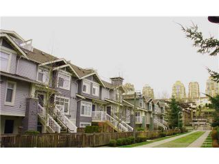 """Photo 2: 7 7428 SOUTHWYNDE Avenue in Burnaby: South Slope Townhouse for sale in """"LEDGESTONE 2"""" (Burnaby South)  : MLS®# V933948"""