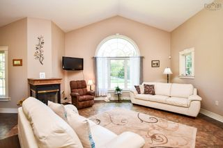 Photo 4: 5961 Highway 2 in Oakfield: 30-Waverley, Fall River, Oakfield Residential for sale (Halifax-Dartmouth)  : MLS®# 202124328