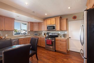 Photo 2: SAN DIEGO House for sale : 3 bedrooms : 6109 Thorn