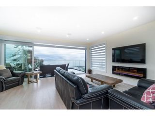 """Photo 14: 1105 JOHNSTON Road: White Rock House for sale in """"Hillside"""" (South Surrey White Rock)  : MLS®# R2577715"""