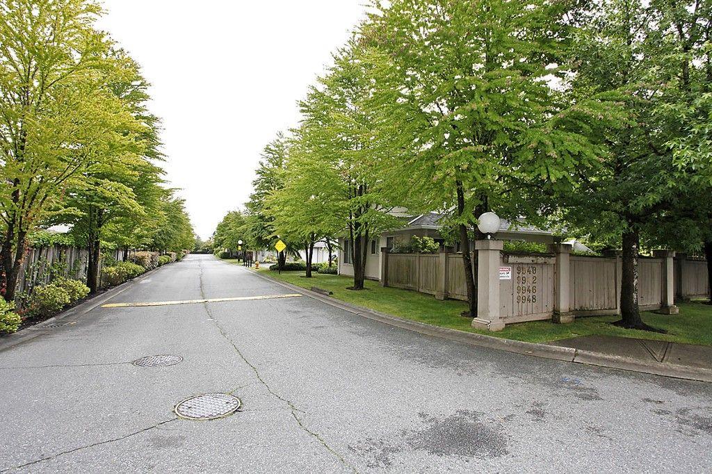 Main Photo: 210 9940 151 Street in Surrey: Condo for sale : MLS®# f1402642